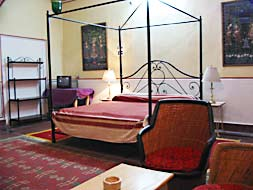 Deluxe Room :: Hotel Diggi Palace, Jaipur