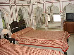 Bed Room of Sheesh Mahal Suite - Samode Haveli, Jaipur